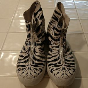 a4cd441785b Converse Shoes - Women s Converse Snow Tiger Shroud Chucks